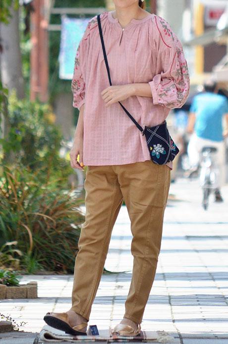 トップジミーのレディースコーディネート画像 マーブルシュッドでカジュアル可愛らしい着こなし