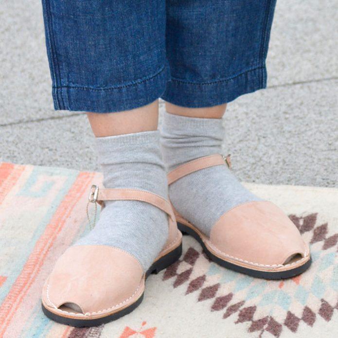 トップジミーのレディースコーディネート画像 ミボ (mibo) Abarca Sandal with Heel Cup スエードサンダル・靴 310