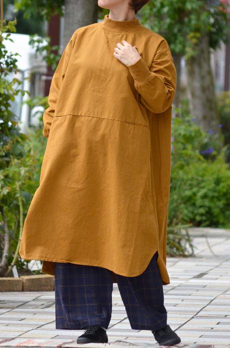 トップジミーのレディースコーディネート画像 秋色のワンピースで重ね着コーデ